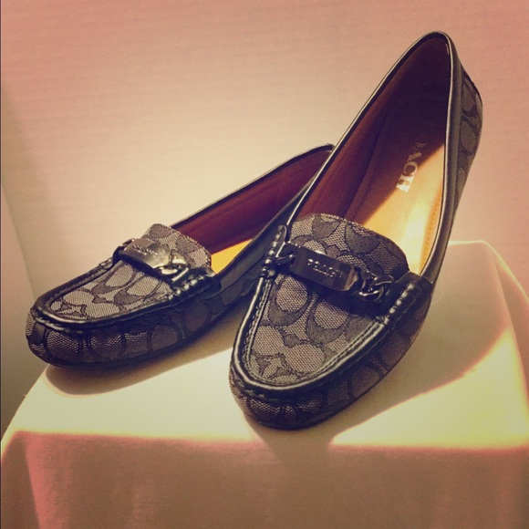 Coach Shoes - AUTHENTIC COACH Olive Loafers!!Like New! Size 7B.